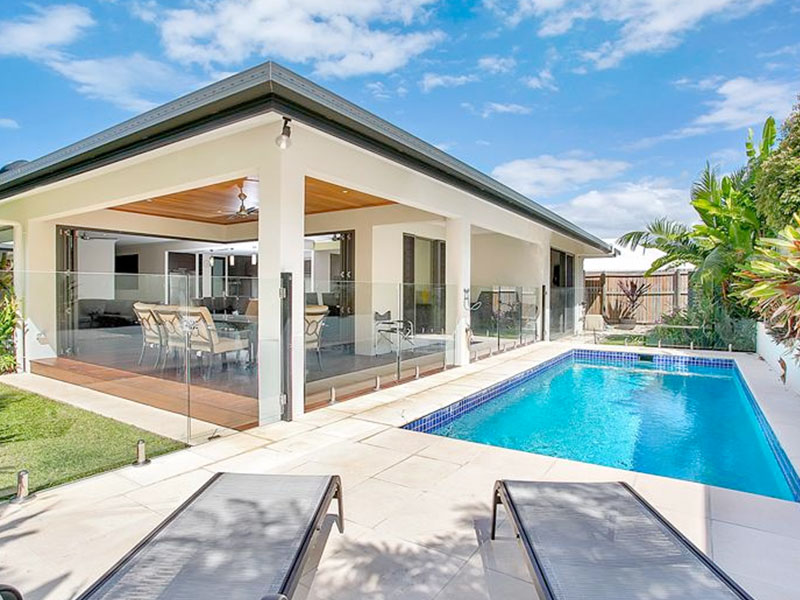 Rental tax picture of holiday home with swimming pool